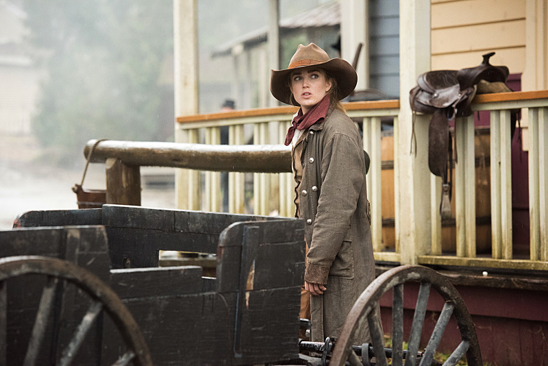 Sara, aka the most badass woman on the planet, is rocking the western look.