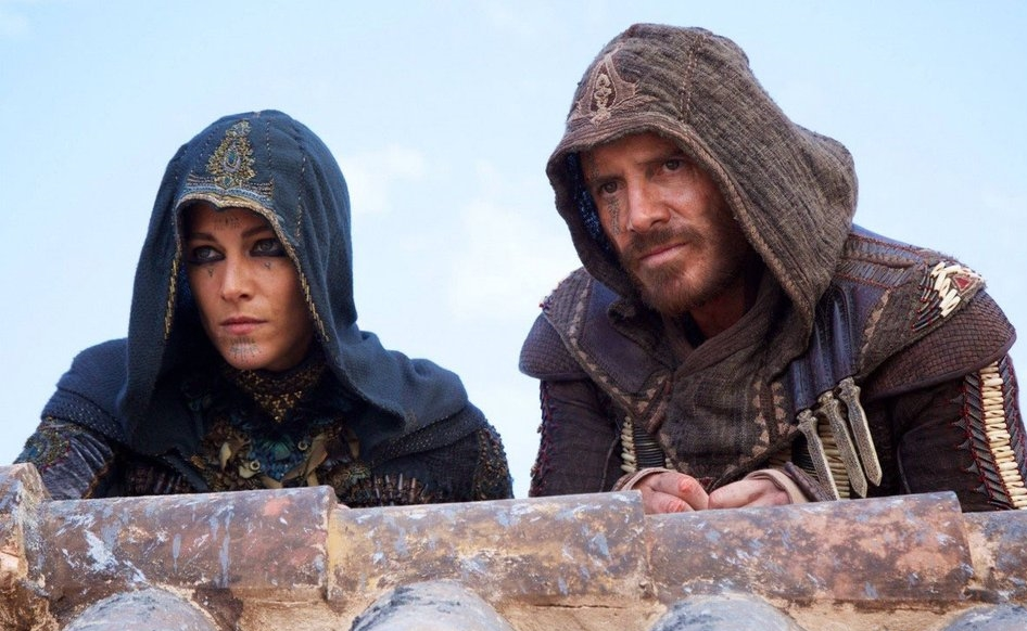 Assassin's Creed Michael Fassbender Marion Cotillard on wall