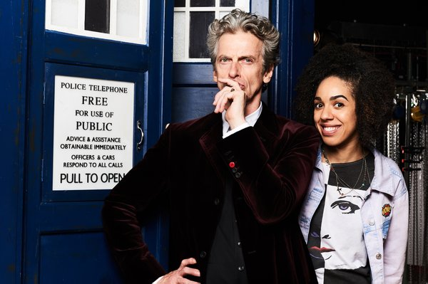 Peter Capaldi and Pearl Mackie on Doctor Who next to Tardis