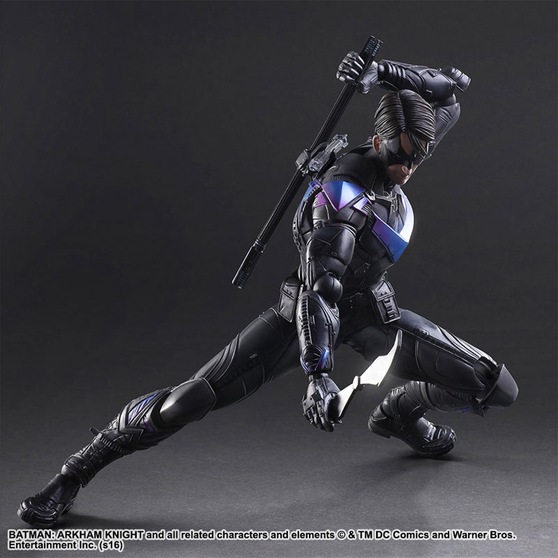 pose Nightwing Play Arts Kai figure