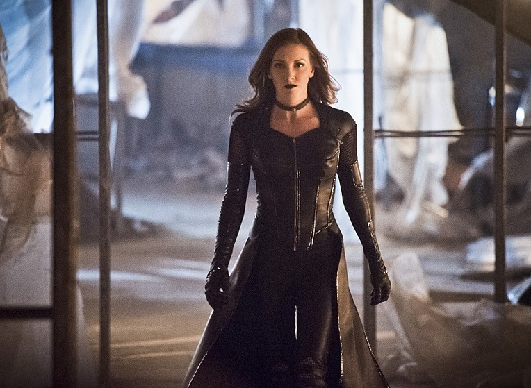 Black Siren Teams With Zoom in New 'The Flash' Images