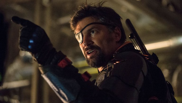 Manu Bennet's Deathstroke unmasked on Arrow