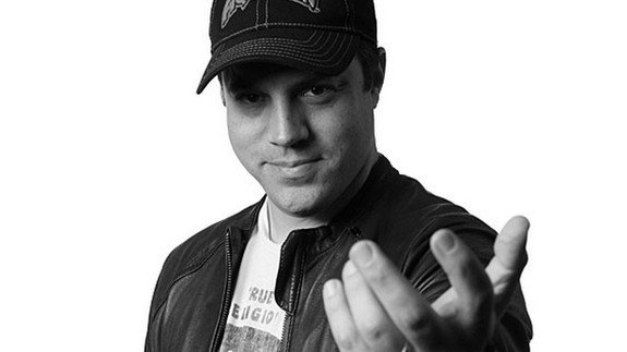 Geoff Johns black/white image