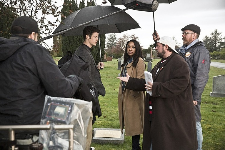 Kevin Smith, Grant Gustin, Candice Patton on The Flash set