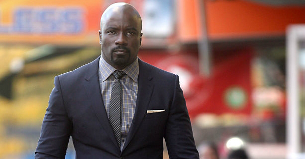 Mike Colter Wears Suit in Luke Cage Set Image
