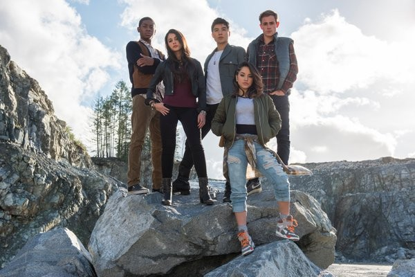 First Look at 'Power Rangers' Reboot New Suits