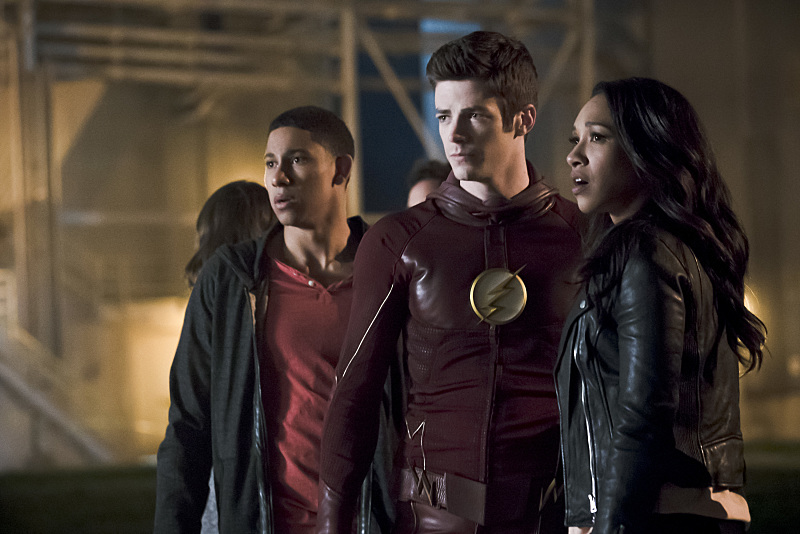 Wally, Barry, Iris in The Flash Season 2 finale