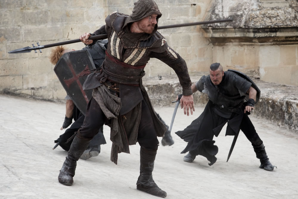 Michael Fassbender in Assassin's Creed Film in assassin's robes