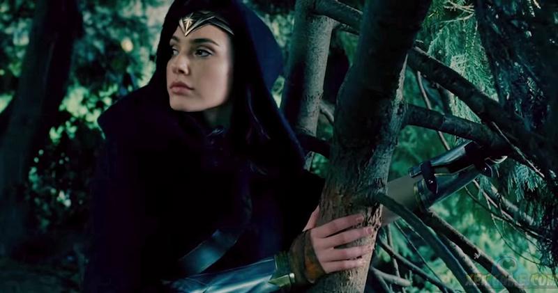 Gal Gadot Debuts Gorgeous 'Wonder Woman' Poster