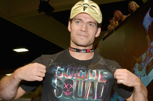 Henry Cavill Pranks Will Smith Suicide Squad Cast At Sdcc