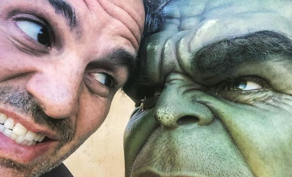 Mark Ruffalo Wraps on 'Thor: Ragnarok', Shares Images from Filming