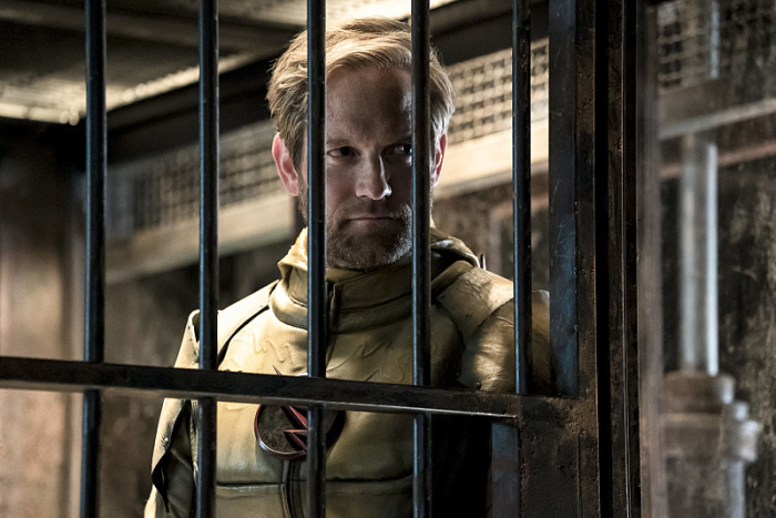 The Flash Season 3 reverse flash in jail