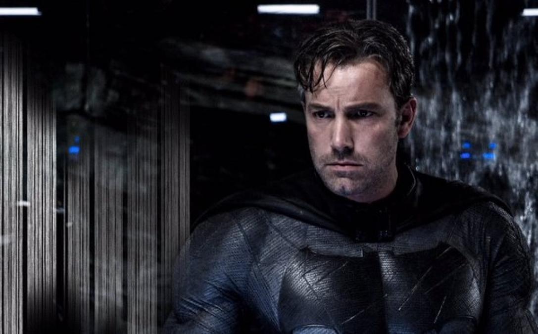 Zack Snyder Reveals New Batsuit