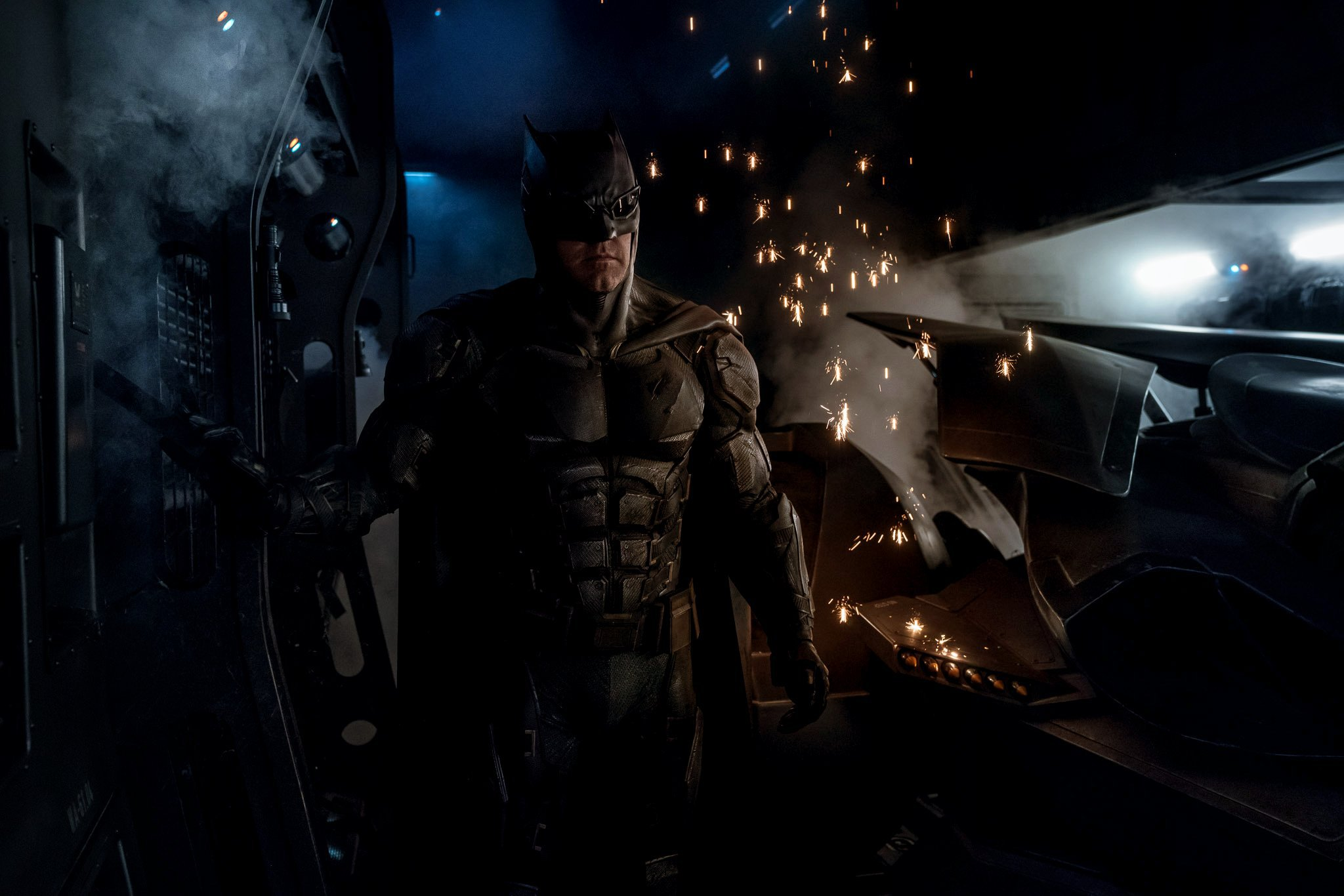 new-batsuit-justice-league