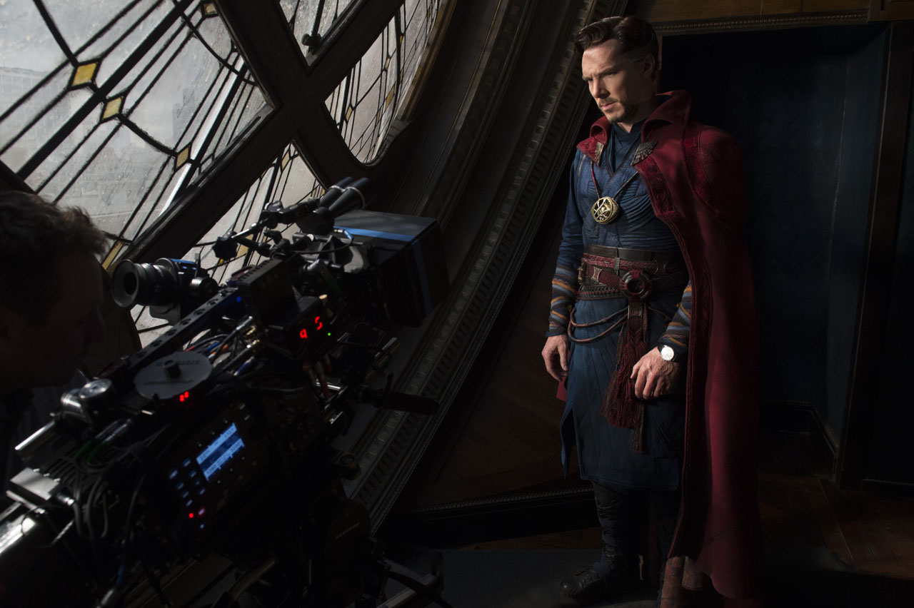 Scott Derrickson Officially Returning to Helm Doctor Strange 2