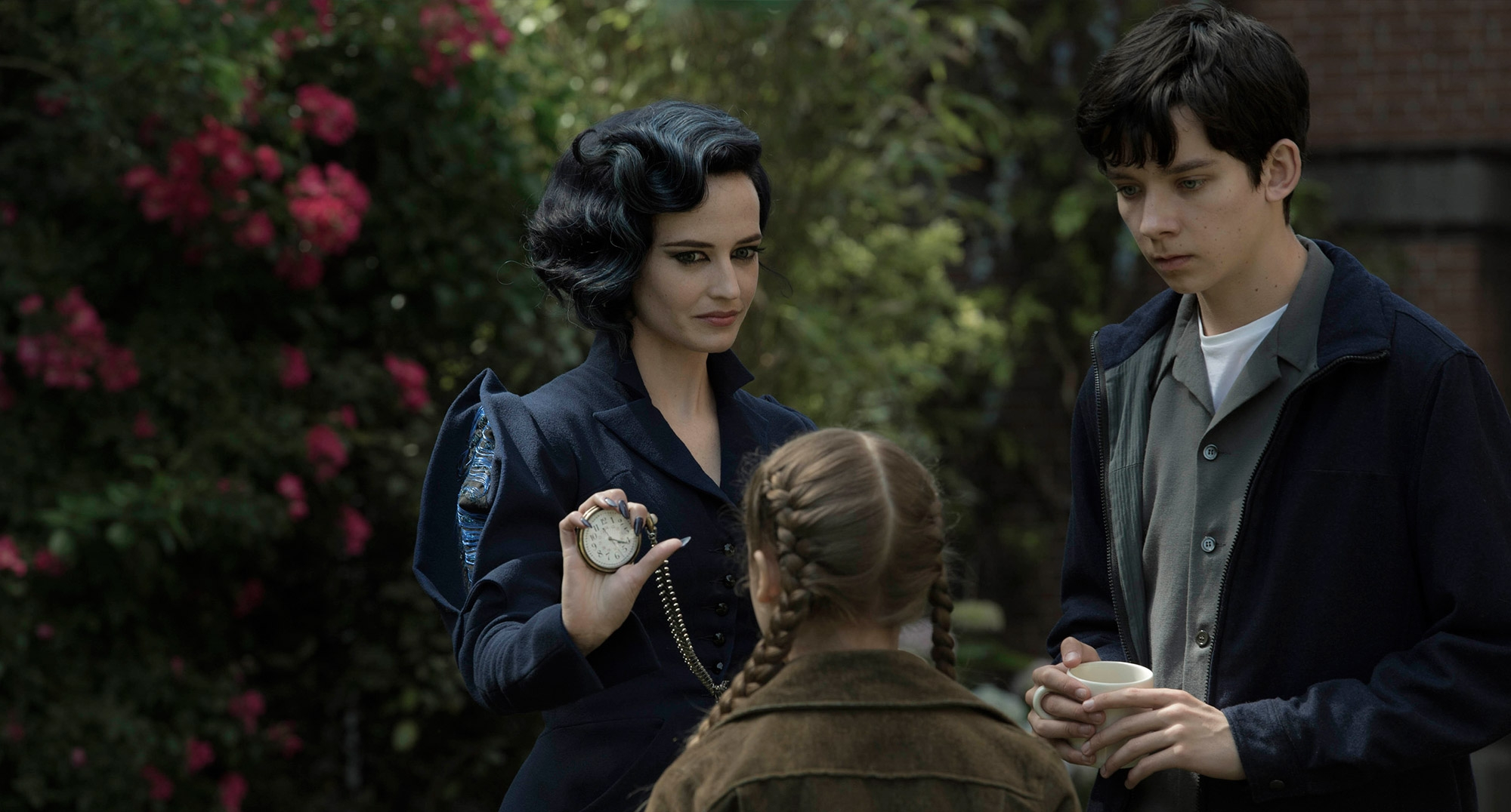 Get a Tour of 'Miss Peregrine's Home for Peculiar Children' in New Clip
