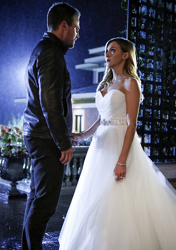 arrow-crossover-oliver-and-laurel