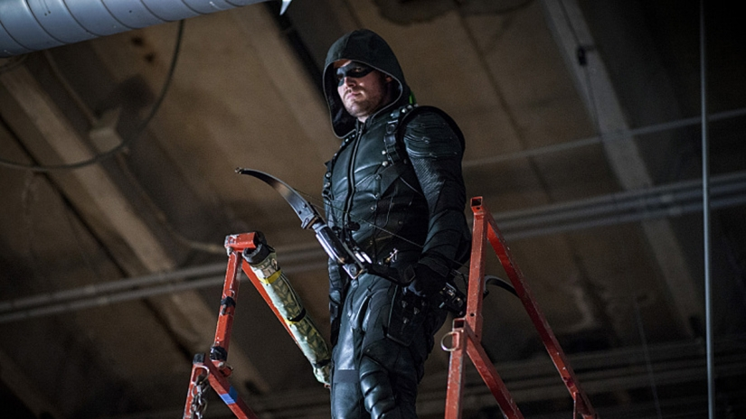 "'Arrow's' ""Shocking"" Mid-Season Finale Teased"