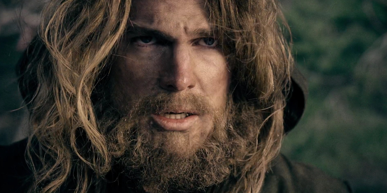 'Arrow' EP Reveals How Flashbacks Will End in Season Five Finale