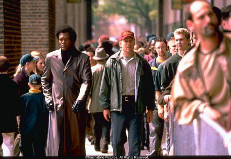 Bruce Willis and Samuel L Jackon in Unbreakable