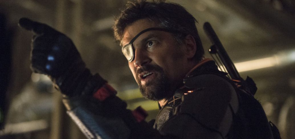 Arrow: Stephen Amell Teases the Return of Manu Bennett's Deathstroke