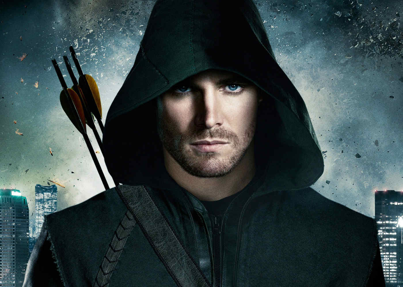 Stephen Amell Talks Arrow Season 6 and the Lessons He Hopes Oliver Has Learned