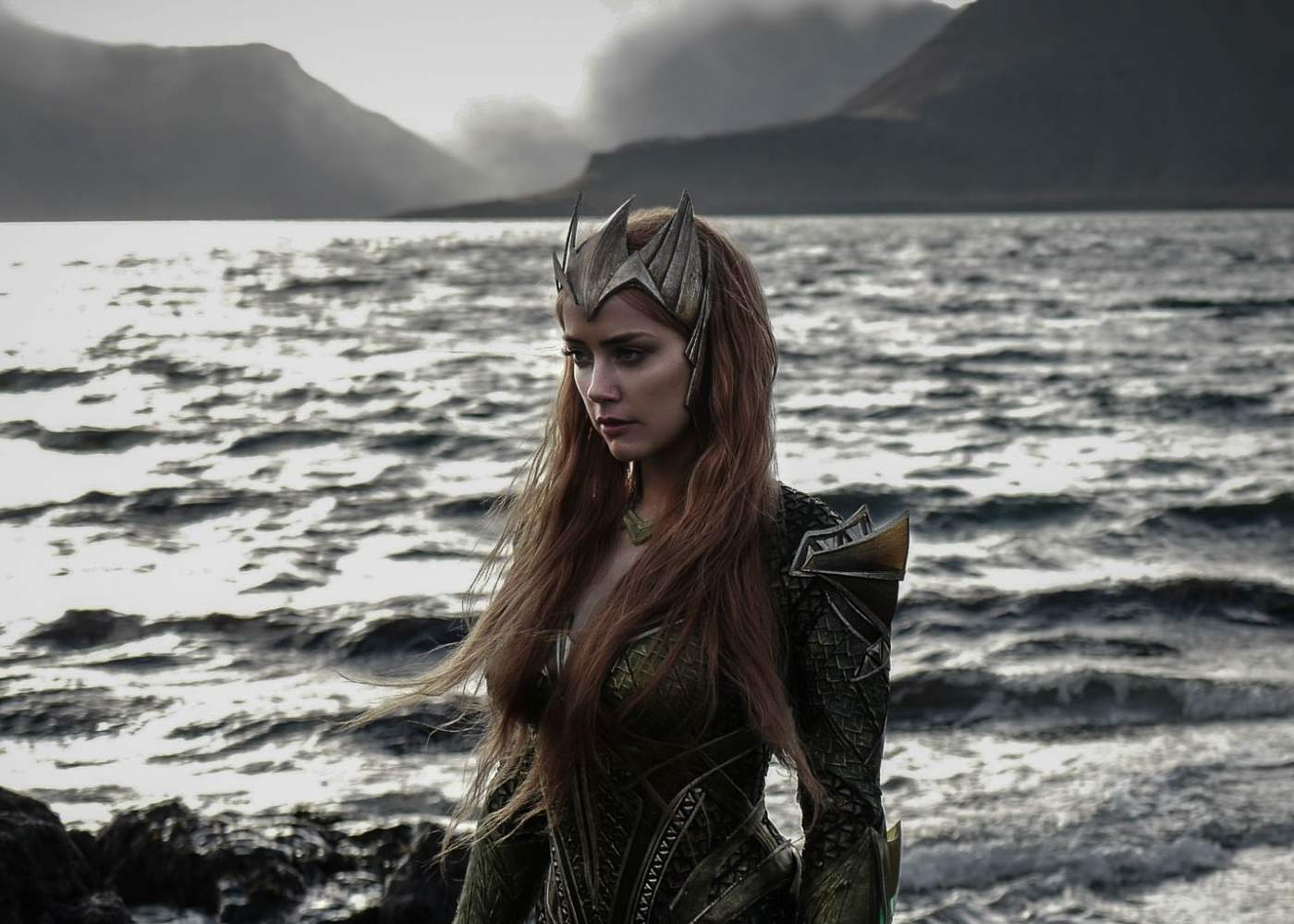 Look: Amber Heard in New Mera Costume on Aquaman Set