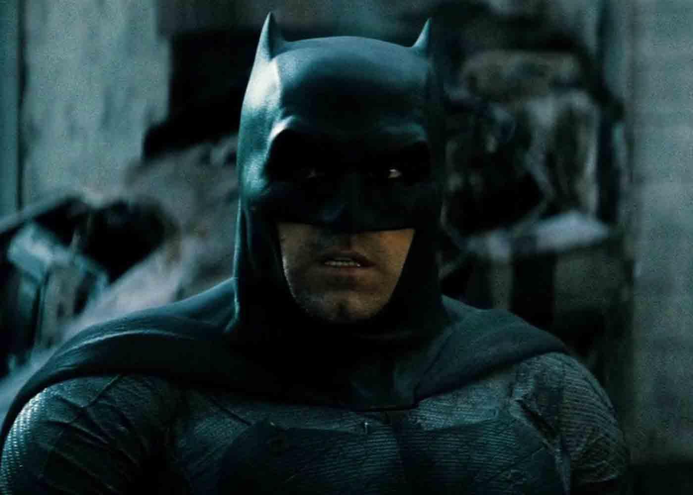 "Matt Reeves Teases Batman Solo Movie Will Be ""Noir-Driven"""