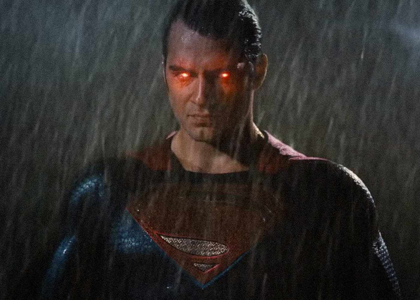 Drunk Superman Takes on Armored Batman in Fan-Made Clip