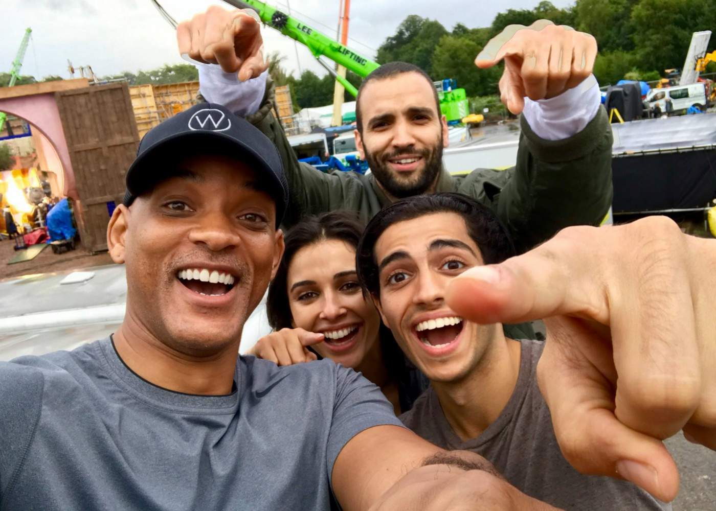 Aladdin Cast Assembles on Will Smith's Facebook