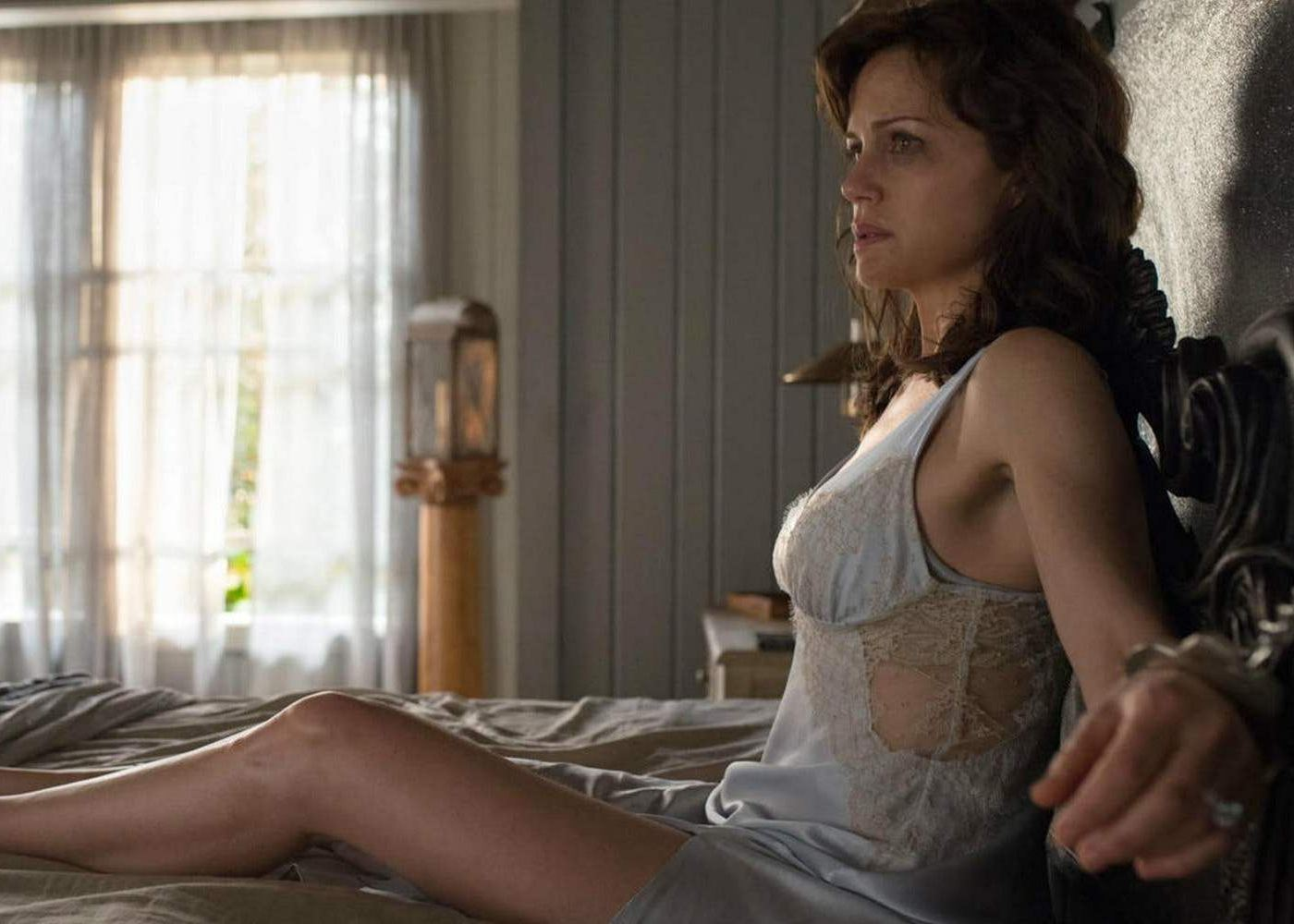 New Trailer for Stephen King's Psychological Thriller Gerald's Game