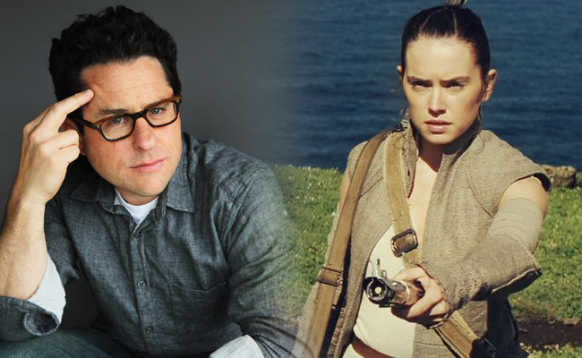 Star Wars: J.J. Abrams Addresses Fans Who Complain About Women Protagonists