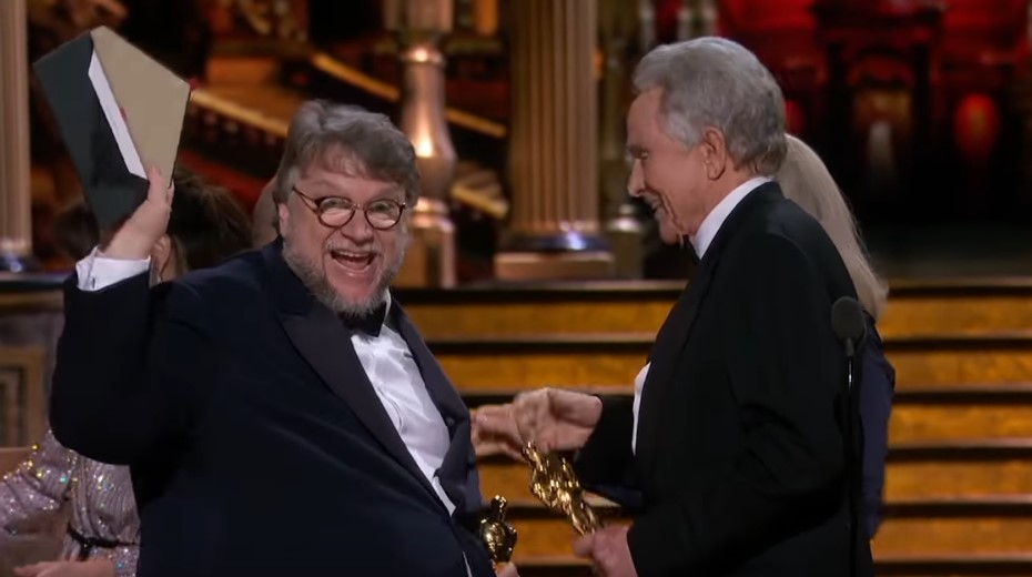 Watch Guillermo del Toro Hilariously Double-Check if He Indeed Won the Oscar for Best Picture