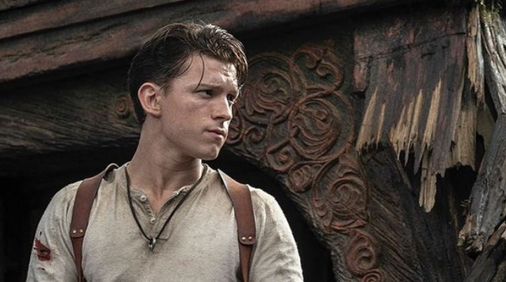 Tom Holland Shares First Look as Nathan Drake in Uncharted