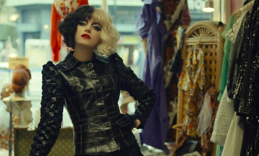Emma Stone is Looking Fabulous in New Cruella Stills