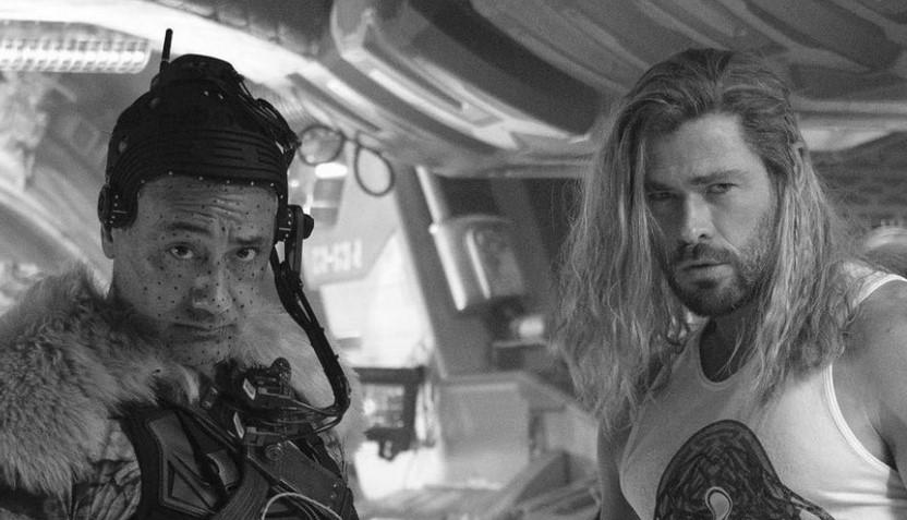 Chris Hemsworth Looks Massive in Thor 4 Wrap Photo