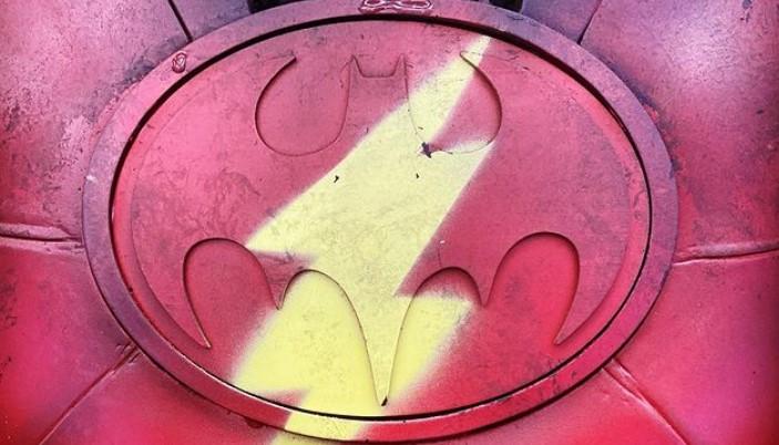 Flash / Batman Suit Spotted in Flash Sneak Peek